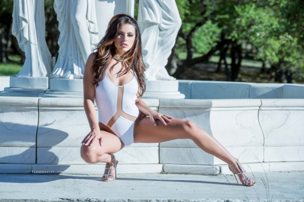 Adriana Chechik Fountain Image 5