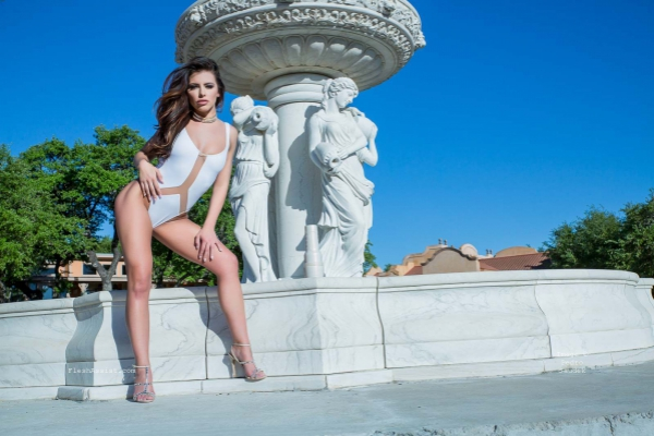 Adriana Chechik Fountain Image 9