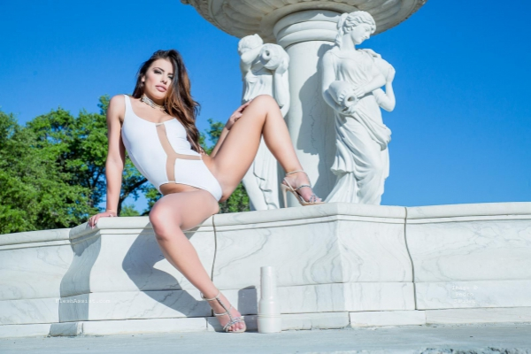 Adriana Chechik Fountain Image 12