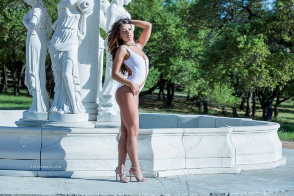 Adriana Chechik Fountain Image 14