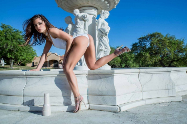 Adriana Chechik Fountain Image 16