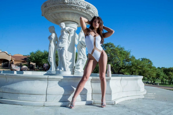 Adriana Chechik Fountain Image 21