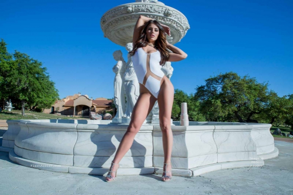 Adriana Chechik Fountain Image 22