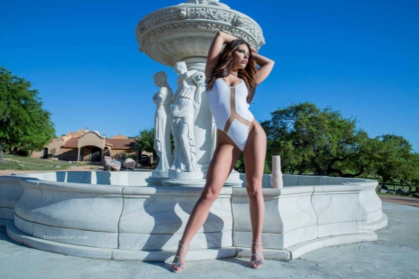 Adriana Chechik Fountain Image 28