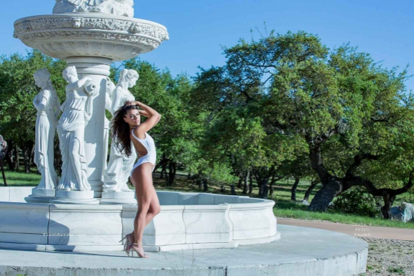 Adriana Chechik Fountain Image 34