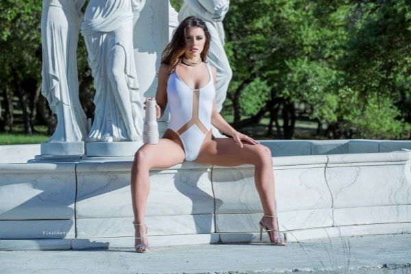 Adriana Chechik Fountain Image 35