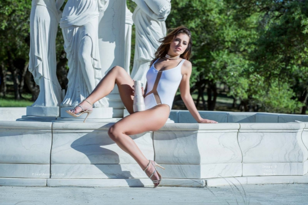 Adriana Chechik Fountain Image 36
