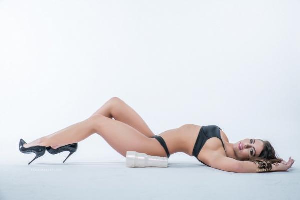 Adriana Chechik Photoshoot Image 26
