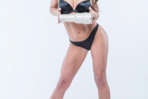 Adriana Chechik Photoshoot Image 42