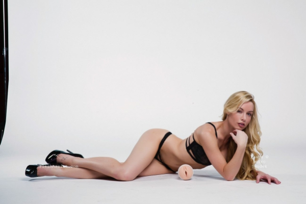 Kayden Kross Photoshoot Image 15