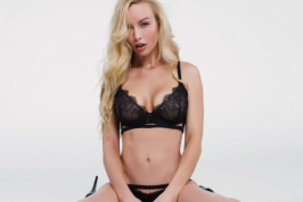 Kayden Kross Photoshoot Image 33