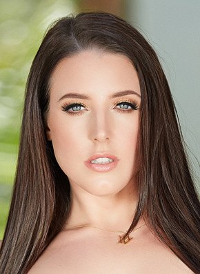 Angela White Headshot