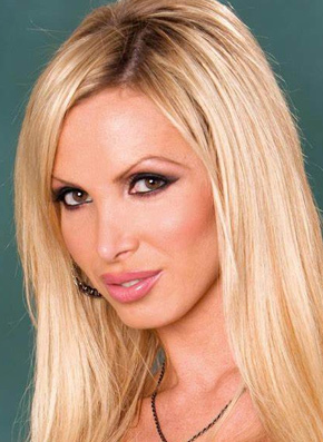 Nikki Benz's Headshot