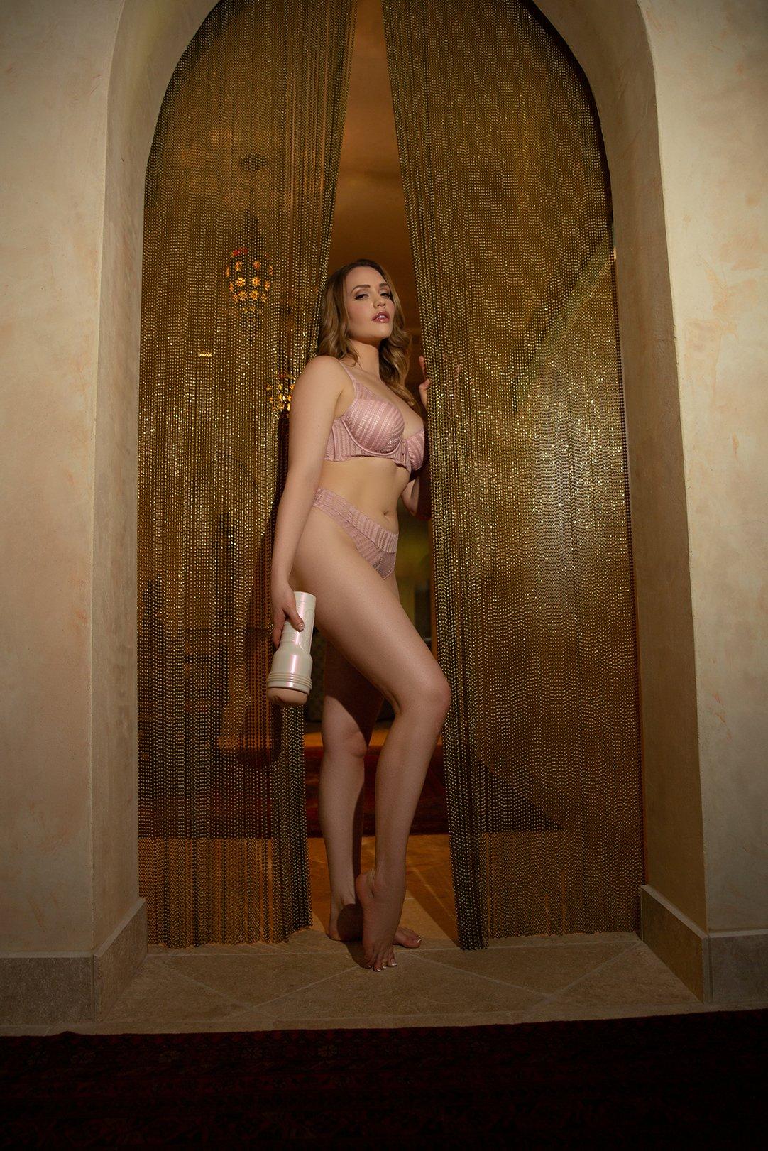 Mia Malkova Fleshlight Girl Image 1